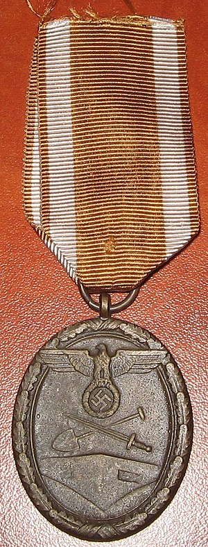 West Wall Medal - Image: Shutzwall medal