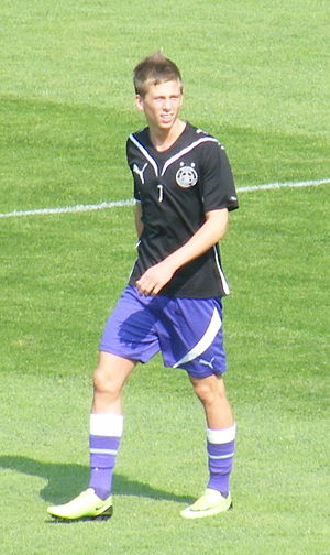 Krisztián Simon - Simon playing for Újpest
