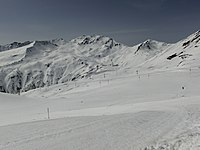 Skiing area Parsenn as seen from Gotschnagrat.jpg