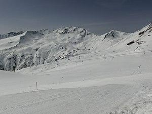 Skiing area Parsenn as seen from Gotschnagrat