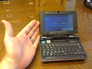 Fujitsu Lifebook 810U - very small and light (...