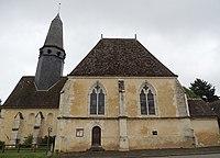 Soize eglise avec sa fleche raccourcie et la chapelle Sud démesuree.jpg