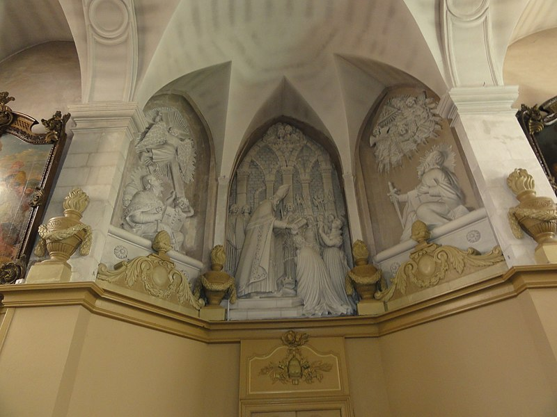 Sorcy-Saint-Martin (Meuse) église Saint-Rémi, sculptures du choeur (baptême de Clovis)