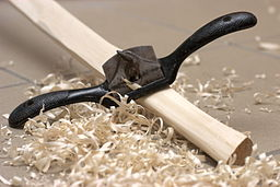 Spokeshave with swarf