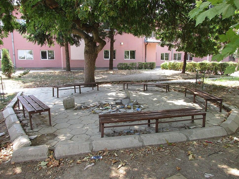Srednja škola, Žitorađa 13