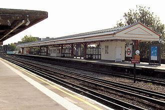 Stamford Brook tube station - Image: Stamford Brook 3
