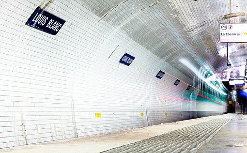 Station de métro Louis Blanc