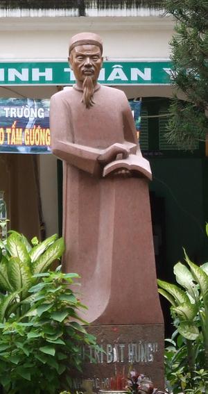 Lê Quý Đôn - A statue of Lê Quý Đôn in Lê Quý Đôn High School, District 3, Ho Chi Minh City.