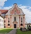Stift Griffen Pfarrkirche Mariae Himmelfahrt West-Fassade 22102015 8383.jpg