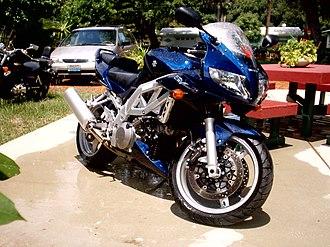 Suzuki SV1000 - Image: Suzuki SV1000S