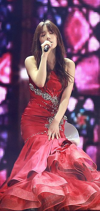 Kim Tae-yeon - Taeyeon performing at the SMWeek concert in December 2013