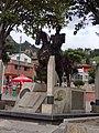 Tasco estatua Simon Bolivar.jpg