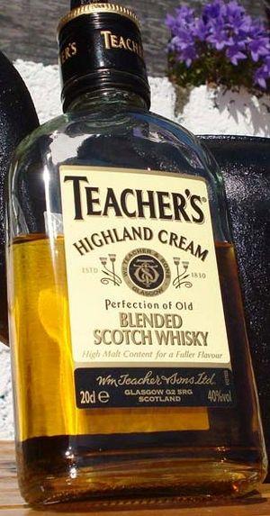 Teacher's Highland Cream - Image: Teacher's Highland Cream 20cl bottle 1