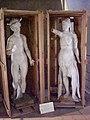 Teatro Farnese sculture entro casse.jpg