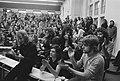 Technische Hogeschool te Delft bezet door studenten, bezetters tijdens vergaderi, Bestanddeelnr 926-0993.jpg