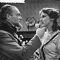 Televisiespel De erfgename, links Max Croiset, rechts Catherine Sloper, Bestanddeelnr 910-8829.jpg
