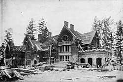 Thornewood under construction 1910.jpg