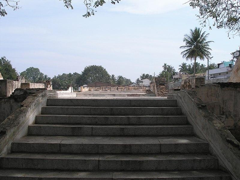File:Tippu Palace Ruins.JPG