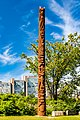 Totem Victoria Island (40010507055).jpg