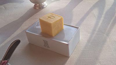Tour d'Argent D160726 02 - Butter.jpg