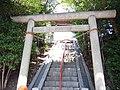 Tsuchihashi Jinja - torii.JPG