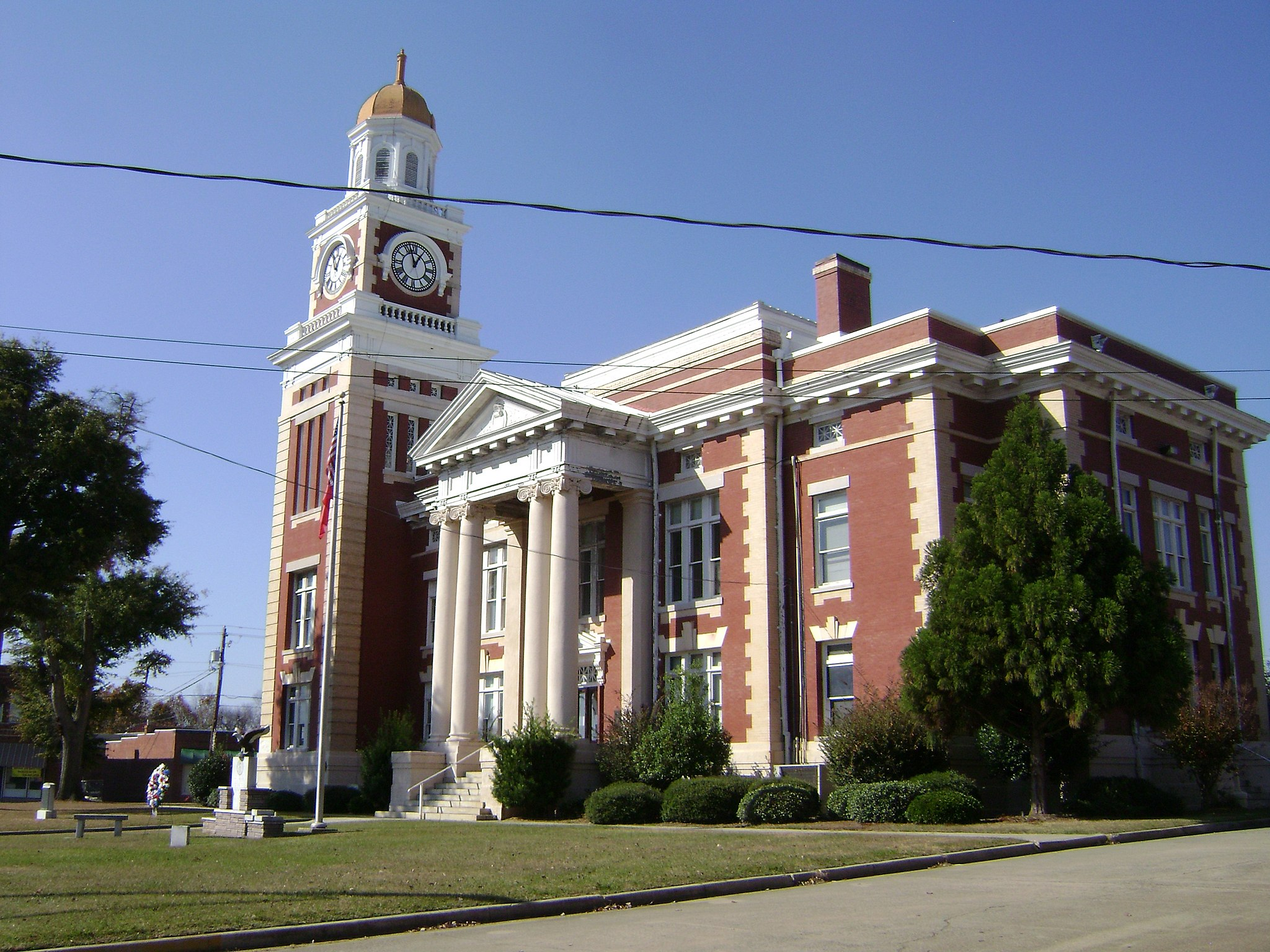 Turner County Courthouse from SE corner