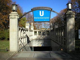 Breitenbachplatz (Berlin U-Bahn) - Entrance