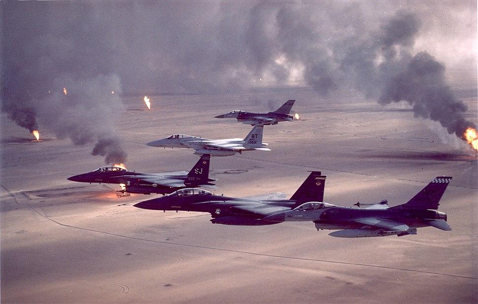 USAF F-16A F-15C F-15E Desert Storm pic