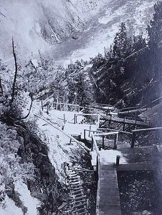 Grand Canyon of the Yellowstone - Uncle Tom's Trail