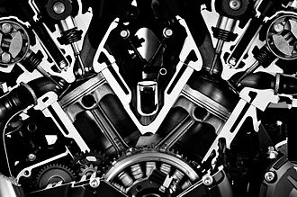 V4 engine - Cutaway view of the V4 engine of a Yamaha V-Max