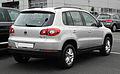 VW Tiguan Trend & Fun 2.0 TDI 4MOTION – Heckansicht, 20. Juni 2011, Velbert.jpg