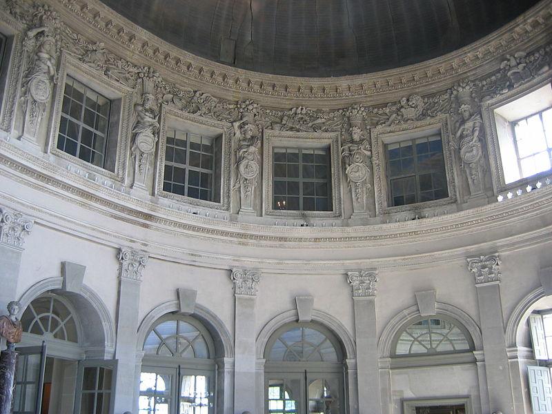 http://upload.wikimedia.org/wikipedia/commons/thumb/d/da/Vaux_039.jpg/800px-Vaux_039.jpg