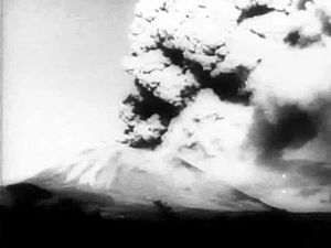 File:Vesuvius in Eruption, newsreel (1944).ogv