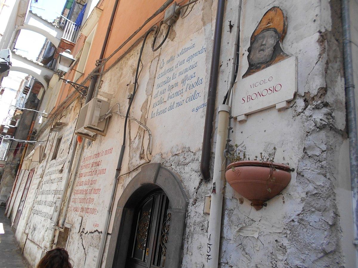 File Vicolo Con Le Poesie Di Alfonso Gatto Salerno Jpg Wikipedia