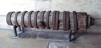 Capture of Vĩnh Long - Vietnamese wooden cannon found by the French in the citadel of Vinh Long. Caliber: 97 mm. Length: 1.90 m. Musée de l'Armée, Paris