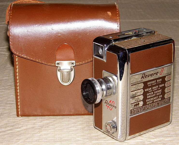 Vintage Revere 8mm Movie Camera, Model 40, Magazine Load, Made In USA ...: commons.wikimedia.org/wiki/file:vintage_revere_8mm_movie_camera...