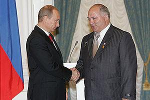 Vladimir Putin and Taygib Tolboyev, May 2007.jpg