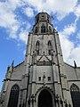 Vooraanzicht Sint-Gummaruskerk.jpg