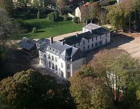 vue aerienne du Chateau de Maudetour.