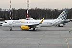 Vueling, EC-LVV, Airbus A320-232 (19483592289) (2).jpg