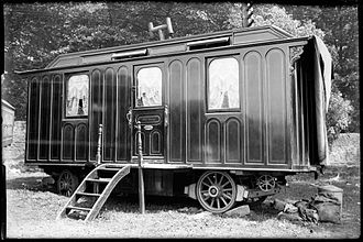 Caravan (towed trailer) - Elaborate caravan built by Howcroft of West Hartlepool for an English showman, first half of the 20th century.
