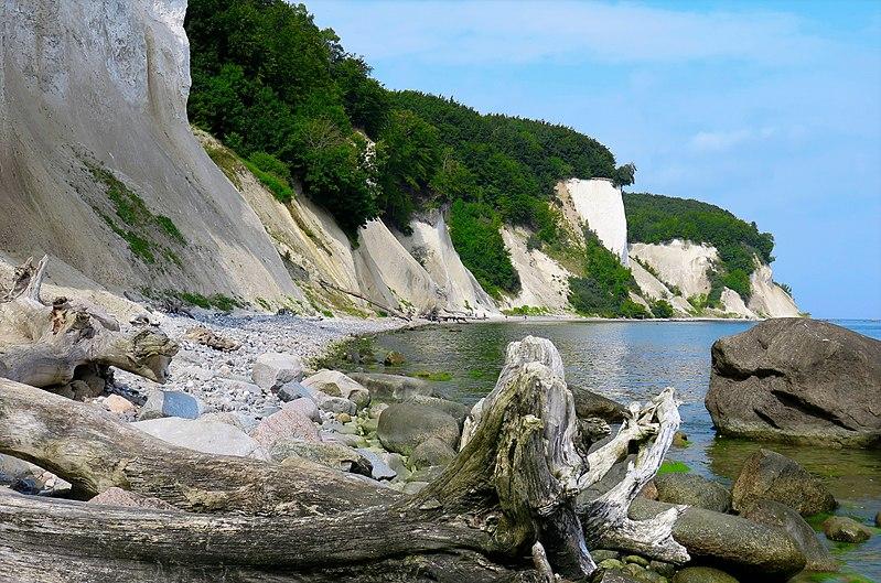 File:White cliffs of Rügen (28787233660).jpg