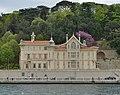 Wooden building on the Bosphorus 2.jpg
