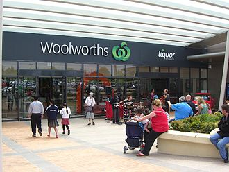 Woolworths Supermarkets - Melbourne's first newly branded Woolworths and Woolworths Liquor supermarket in Chadstone, Victoria.