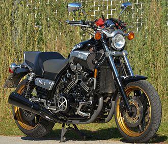 Cruiser (motorcycle) - Yamaha V-Max power cruiser