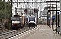 Zwijndrecht ERS 189 099 en SLT over de brug (9461547609).jpg