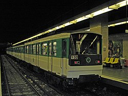 Île-de-France RATP MP 67 n°132 M3 Gallieni.jpg