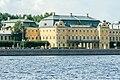 Вид на Меншиковский дворец со стороны Адмиралтейской набережной.jpg