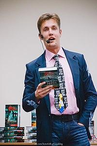"""Макс Кідрук на презентації книжки """"Жорстоке небо"""". Аеропорт """"Львів"""". 9 жовтня 2014. № 2.JPG"""