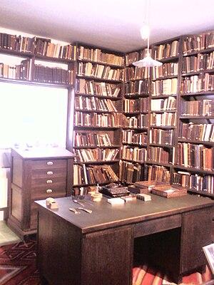 Shmuel Yosef Agnon - Agnon's study